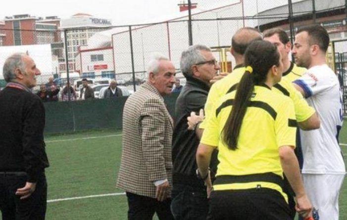 Samsun'da Futbol Sahalarında Görülmemiş Olay! Kadın Hakem…